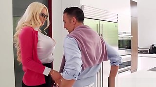 Blonde arrives at dudes house and seduces him in the kitchen