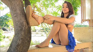 Naughty girlfriend loves flashing her pussy in outdoors. HD