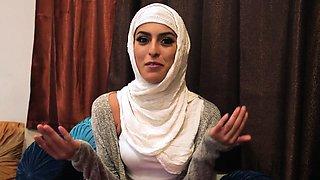 Arabic amateur slut rides
