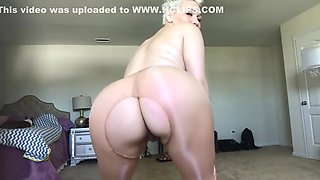 RIPPED HOLE IN PANTYHOSE PLAY WITH BLACK DILDO