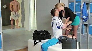 Model Mom Loves Brutal Orgasm By Son