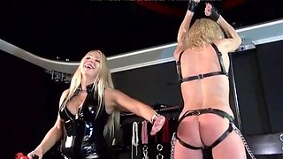 Lezdom mistress and slave 2