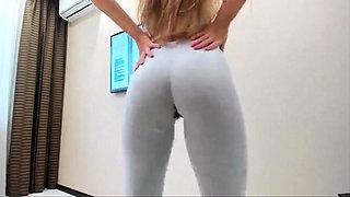 PERFECT ASS TEEN CUMS IN Yoga Pants