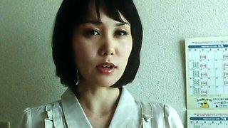 Nguoi Giup Viec Quyen Ru - Film18.pro