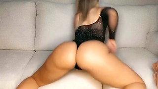 Twerking in my lingerie