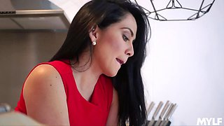 Dude with a giant dick fucks sweet mature housewife Candela