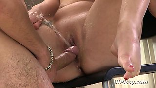 Foxy Anne in HD Pissing Video A Tea And Golden Drops at Vipissy