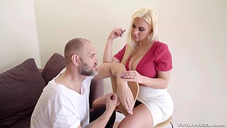Sexy Blondie Fesser gets her cunt stretched with a long dong