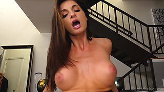 Remarkably hot MILF Silvia Saige gets herself a nice fuck buddy