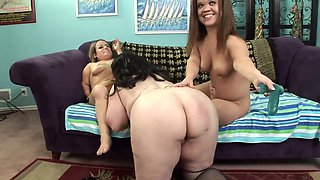 Busty brunette BBW playing with two midget lesbians