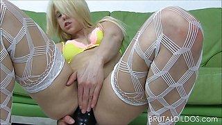 Holly Hanna gapes toys her ass