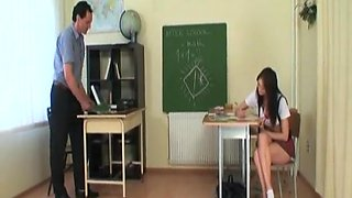 Horny Teen Chick Gets Her Pussy Licked And Fucked At School