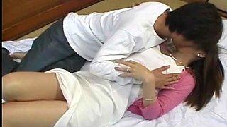 Amateur outdoors sex with shy Japanese girlfriend Yuri Koizumi
