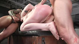 rough bdsm session with gwen vicious