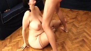 extreme flexible BBW housewife