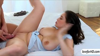Yummy babe Noelle Easton pussy pounded