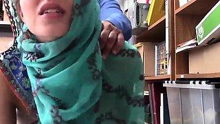 Mom caught anal fucking first time Hijab-Wearing Arab