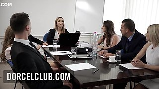 Rendez-vous In Liza Del Sierras Office For A Hot Meeting