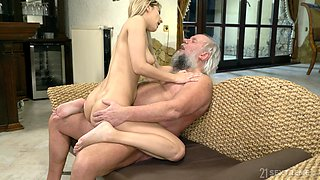 Kinky musicholic Sarah Cute is happy to work on still strong old cock