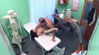 Doctor licking hairy pussy in hospital