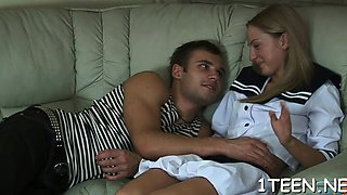 Engulfing dude's male knob makes cutie hungry for plowing