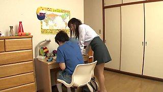 Shotacon got seduced by her teacher 1