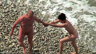 Beach voyeur mature couples have sex 3