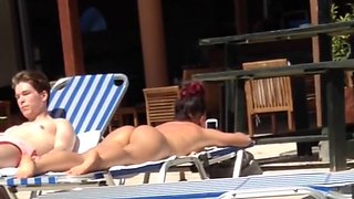Nice ass at Hotel pool. Am Pool auf Rhodos