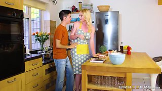 Carly Rae Summers And Jordi El Nino Polla - Tatooed Blonde Housewife Carly Needs Some Help In The Kitchen