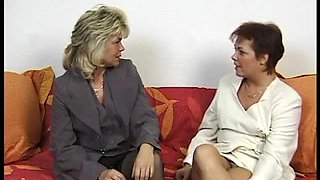 two Hawt German Housewives share a spouse ding-dong