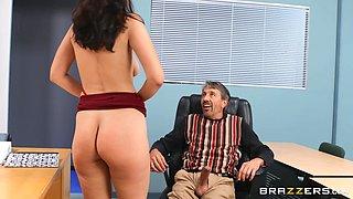Older dude eats and fucks juicy pussy of seductive Bella Rolland