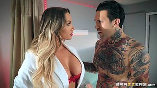 Curvy Doctor In Red Heels Fucks Her Tattooed Patient With Small Hands And Cali Carter