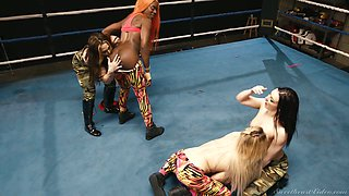 Horny wild catfight ends up as steamy pussy eating workout on the ring