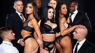 Mulattos are taking part in an Orgy and experience the delight of doub...