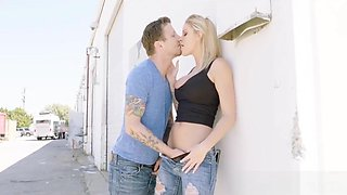 Gorgeous Blonde Jessa Rhodes Gets Fingered And Fucked