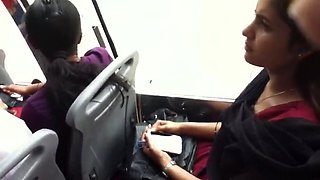 Indian babe&#039s downblouse cleavage show in bus full version