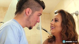 Naughty Dude And Sulty Stepmom In The Shower