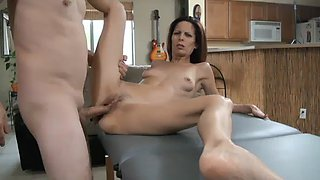 Mommy&#39s taboo massage