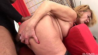European GILF fucked by South American BBC